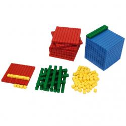 Material Dourado de Plástico - 611 peças